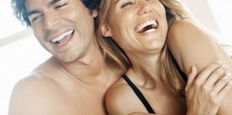Pourquoi les jeunes filles choisissent les hommes plus âgés